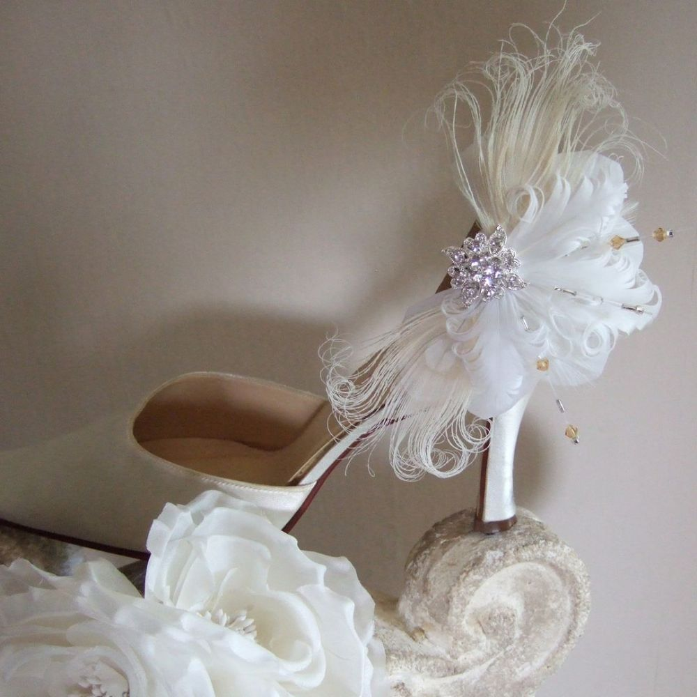 "Bridal White Curled Nagoire Feathers ""Lena"" Swarovski Crystals Shoe Clips SCB0808"